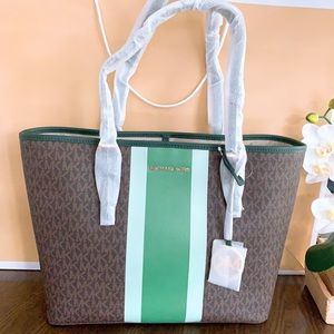 Michael Kors Jet Set MD Carryall Tote